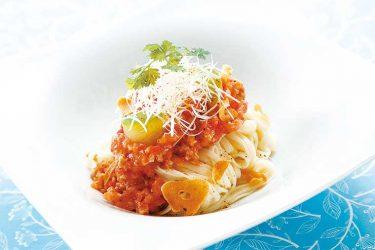 ニンニク風味の冷製トマトパスタ風うどん